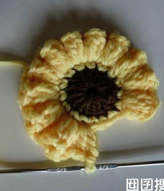 Коврик с объемными цветами