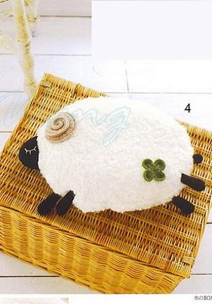 Подушка - овечка крючком
