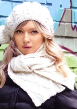 Вязаные берет и шарф