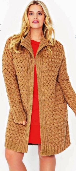 Жакет плетеным узором спицами