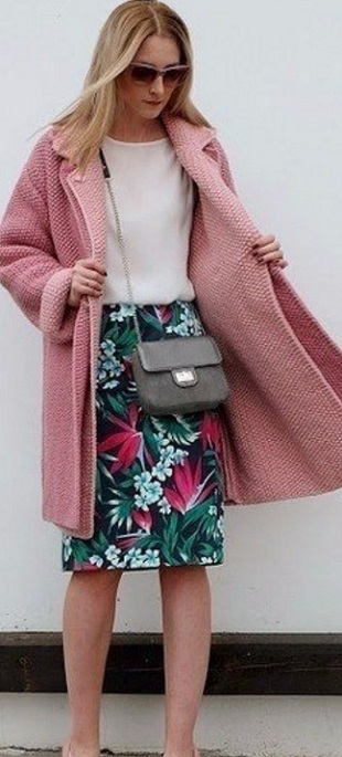 Красивое пальто спицами