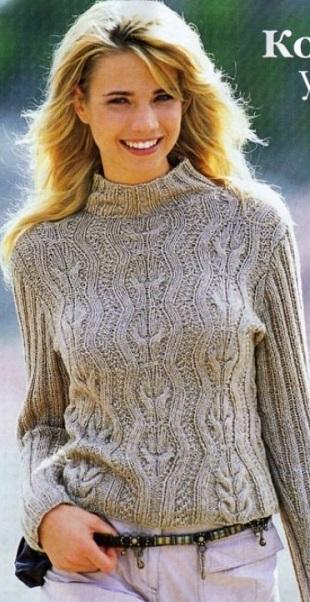 Пуловер с рукавами связанными резинкой спицами