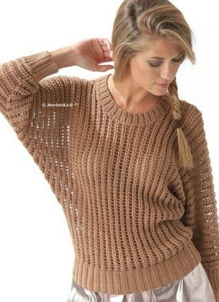 Пуловер фантазийным узором спицами