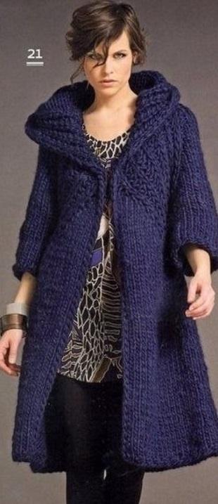 Женское пальто спицами