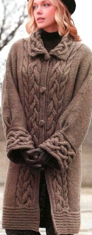 Пальто с узором Косы спицами