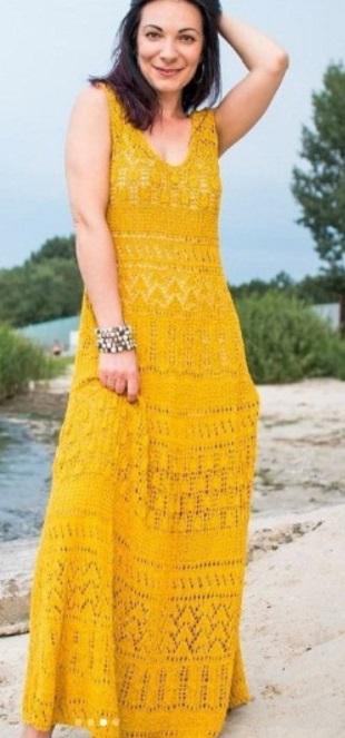 Длинное летнее платье спицами